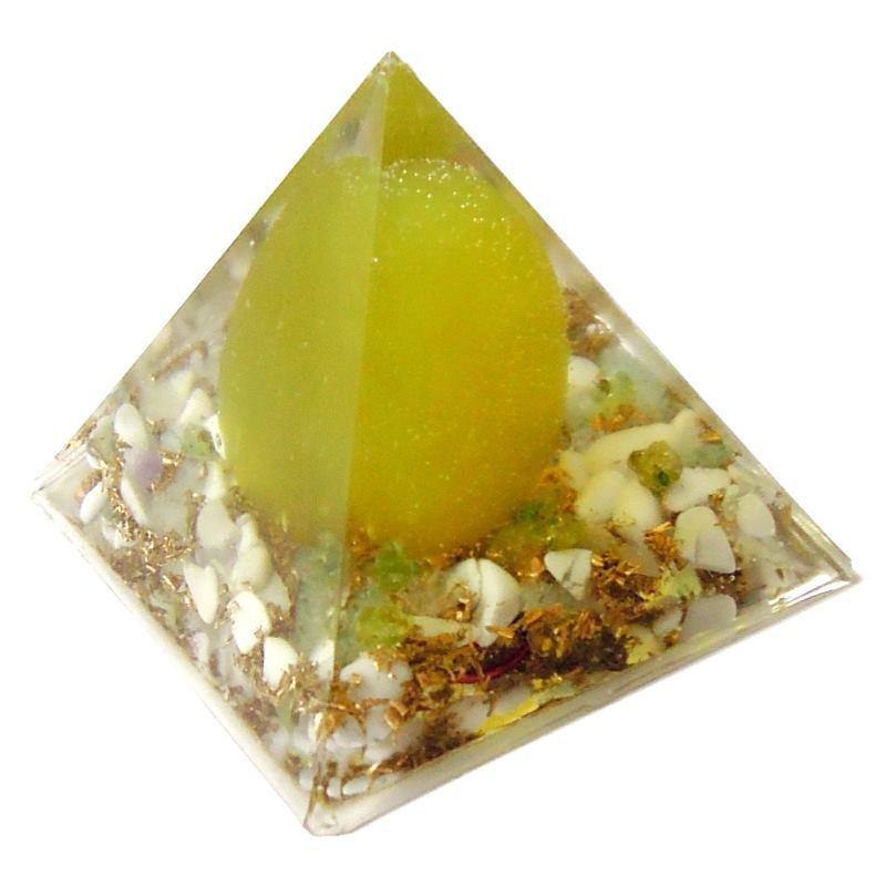 ヒスイのピラミッドオブジェ 《オルゴナイト》 5×5cm