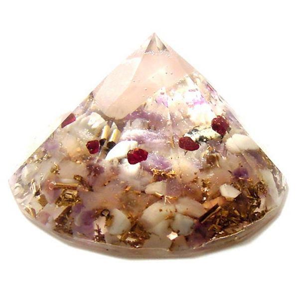 ローズクオーツのダイヤモンドオブジェ 《オルゴナイト》 6.5×3.5cm